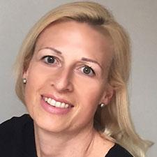 Frau Mag. Barbara Hinderer